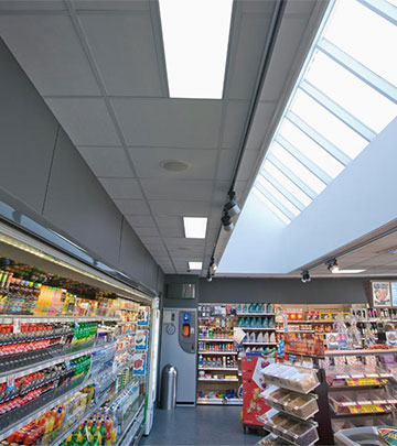 The Q8 Qvik to go coolers are illuminated by energy-saving Philips lighting products